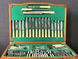 A Fine George V Walnut Cased Fitted Canteen Table Of Silver Cutlery 8 Persons