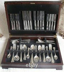 Fabulous Original Vintage Warriss Sheffield 84piece canteen Lockable by Key