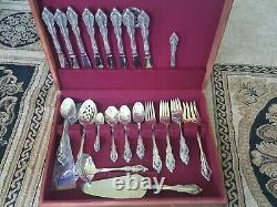 Onieda Community silverware service for 8 in original wooden box. 56 pieces