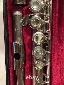Pre-owned Yamaha YFL 225N Standard Offset G Flute In Original Case