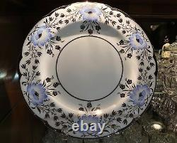 Wedgwood Winter Lily WH3094 Platinum Silver 10 7/8 Dinner Plates (11) c. 1930-31