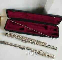 Yamaha Silver Plated Flute YFL 211S II, Original box, book and cleaning rod
