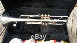 Yamaha Ytr-4320st Silver Trumpet With Accessories & Original Case